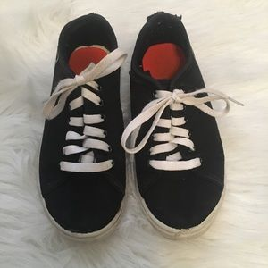 🎈BOGO🎈 And 1 kids Sneakers black/white size 2